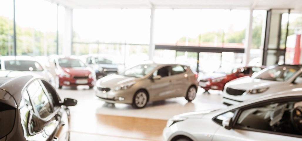 Skal du lease eller købe din næste bil?   Mikonomi.dk